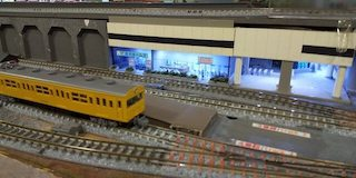 toy-train-01-mini